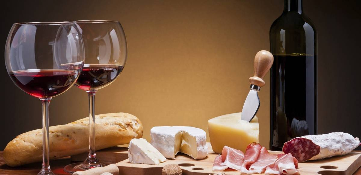 בחירת יין לארוחה
